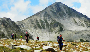 guided hiking group tour in bulgaria to rila and pirin mountains